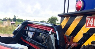 Camioneta colisionó con un tren en Tacuarembó
