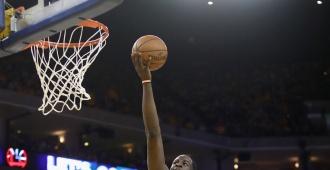 Irving y LeBron unen fuerzas para vencer a los Celtics y acarician la final