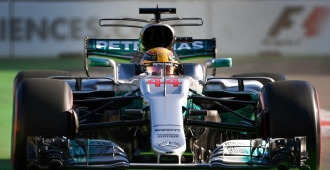 El británico Hamilton logra la pole en el Gran Premio de Azerbaiyán