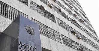 Banco Central intervino para evitar atraso cambiario