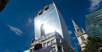 Un grupo de Hong Kong compra emblemático rascacielos de un uruguayo