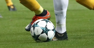Boca goleó a Vélez y quedó como único líder