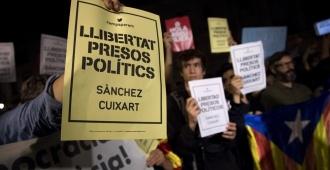 Concentraciones en Cataluña contra encarcelamiento de líderes secesionistas