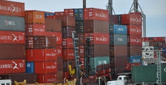 Llega delegación del gobierno paraguayo para tratar problemática con los buques de carga