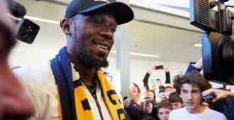 Usain Bolt llega a Australia para probarse en un equipo de fútbol
