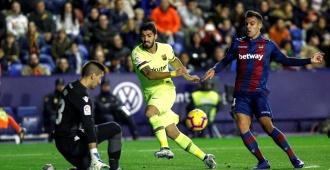 Suárez anota en goleada de Barcelona