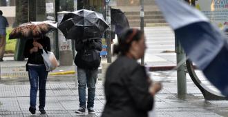 Nueve departamentos bajo advertencia naranja por tormentas fuertes