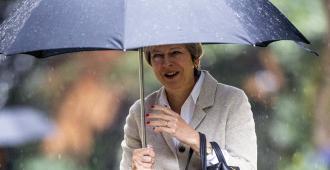 """May sostiene que posponer el """"brexit"""" """"no solucionará nada"""""""