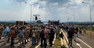 """Venezuela cierra de forma """"total"""" la frontera con Colombia ante """"amenazas"""""""
