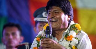"""Evo Morales promete """"tierra"""" a la comunidad boliviana en Argentina"""
