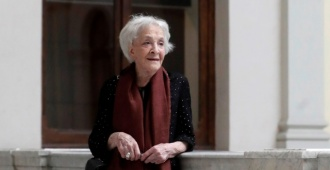 El colegio Elbio Fernández le rindió tributo a Ida Vitale en el Día Internacional del Libro