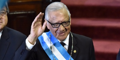 Guatemala: Alejandro Maldonado jur� como presidente tras renuncia de P�rez