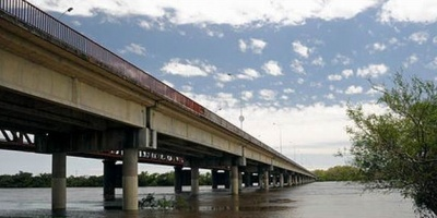 Incautaron pasta base en puente internacional de Bella Uni�n y conductor se fug� nadando