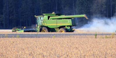 Vázquez firmó aumentos para trabajadores rurales