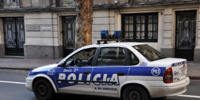 Un policía fue atacado en el Carro