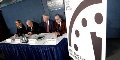 "El simbólico ""Reloj del Apocalipsis"" se acerca a la medianoche..."