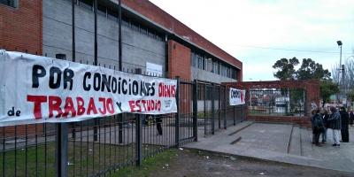 Docentes ocuparán liceo de Colonia Nicolich