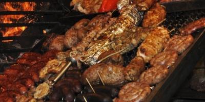 Gigantes brasileños de carnes JBS y BRF abren con nuevas bajas en Sao Paulo