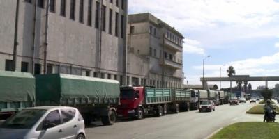 Los camioneros iniciaron una huelga en el transporte de arroz