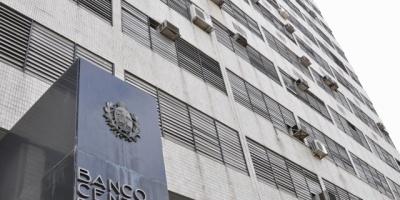 """El BCU negó ser advertido por una """"operación sospechosa"""" en Cambio Nelson"""
