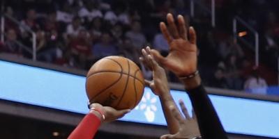 Leonard y Parkers clasifican a Spurs a segunda ronda de playoffs