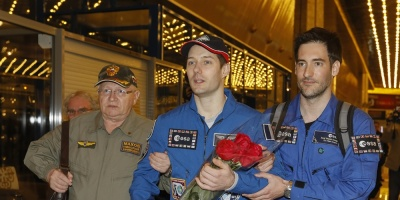 Astronautas francés y ruso vuelven tras vivir 200 días en el espacio exterior