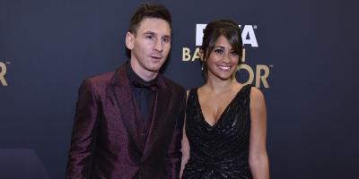 Messi y Antonella arriban a Rosario en tiempo de descuento para su boda