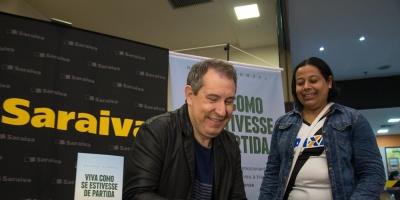 """Superviviente de Chapecoense lanza libro: """"Vive como si cada día fuera el último"""""""