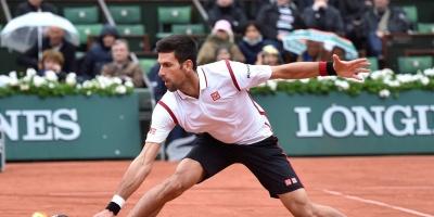 Djokovic se impone a Pospisil y avanza a tercera ronda de Eastbourne