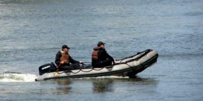 Buscan a un joven cuya embarcación se hundió en el Río Uruguay