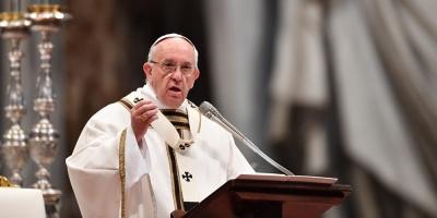 """Papa condena """"la violencia ciega"""" del """"cruel atentado"""" en Barcelona"""