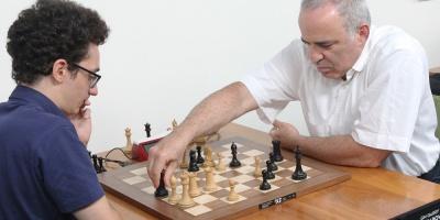 Kasparov: Si retoma el ritmo puede competir de igual a igual