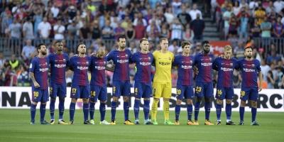 El Barcelona regala el mejor homenaje a su enlutada ciudad