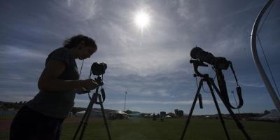 Eclipse total de sol sobre la costa oeste de Estados Unidos