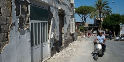 Dos muertos, 42 heridos y más de 2.000 evacuados tras sismo en Ischia