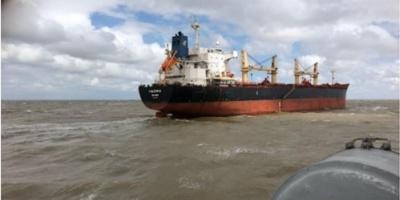 Armada neutraliza amotinamiento en buque nigeriano