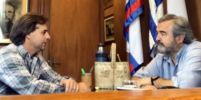 Lacalle Pou y Larrañaga se reunieron en el Parlamento