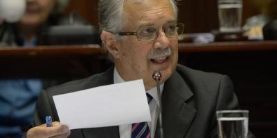 Menéndez comparece en esta jornada ante el Parlamento