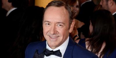 Arrecian críticas a Kevin Spacey por su forma de admitir su homosexualidad