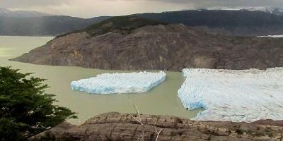 Realizan seguimiento del formidable desprendimiento del glaciar Chileno