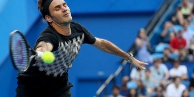 Federer vence a Sugita en su estreno en la Copa Hopman