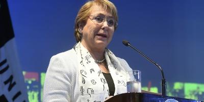 Salen al paso de críticas por viaje de presidenta Michelle Bachelet a Cuba