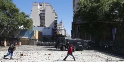 Nueva protesta por prisión domiciliaria a expolicía de la dictadura argentina