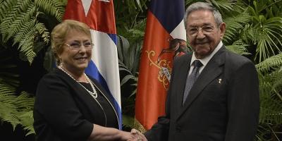 "Bachelet visitó Cuba para ""dialogar y discrepar"", dice canciller chileno"