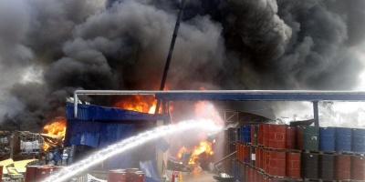 Bomberos continúan búsqueda del obrero desaparecido tras explosión