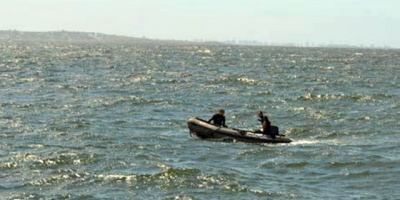 Buscan a un hombre que desapareció en aguas del río Santa Lucía