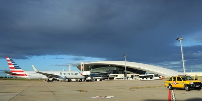 Invitan a Uruguay a operar ruta aérea a las Malvinas
