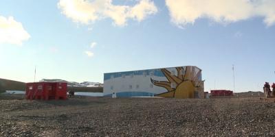 Crean grupo para implantar energías renovables en base Antártida