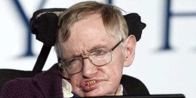 Hawking logró completar método para detectar universos paralelos