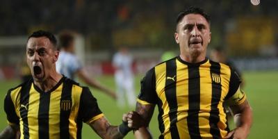"""De la mano del """"Cebolla"""" Peñarol sella su primera victoria en la Libertadores"""